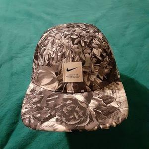 Nike women cap